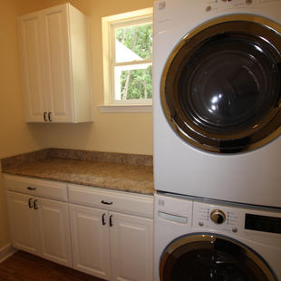 9246 Amelia (11) Laundry.JPG