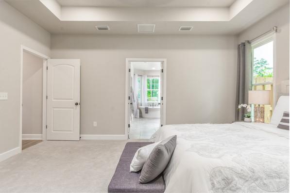 9323 (15) Master Bedroom.jpg