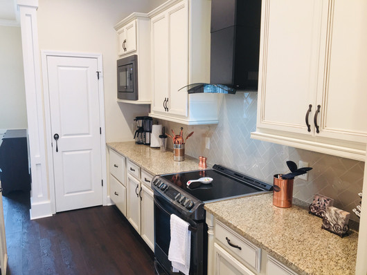 9292 (05) Kitchen.jpg