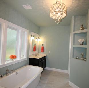 9262 (09) Master Bathroom.JPG