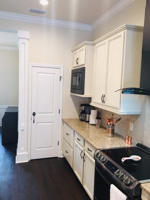 9292 (06) Kitchen.jpg