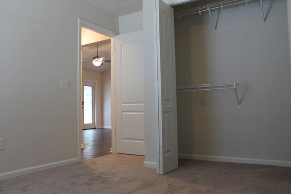 9281 (09) Bedroom.JPG