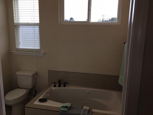 9292 (25) Bathroom 2.JPG