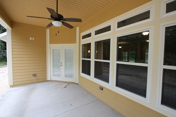 9253 West Palm (19) Porch.JPG
