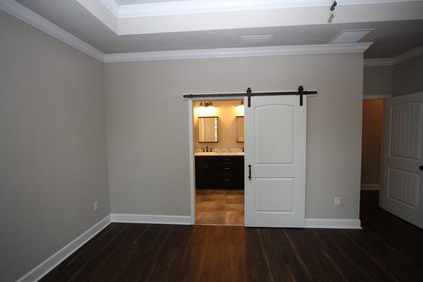 9293 (18) Master Bedroom.JPG