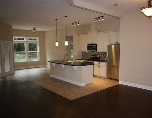9253 West Palm (03) Living Room.JPG