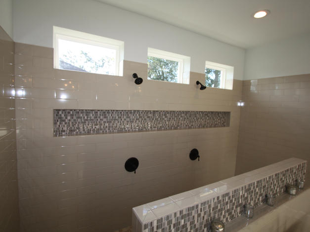 9263 Master Bathroom Walk-In Shower