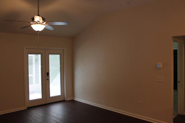 9281 (08) Living Room.JPG