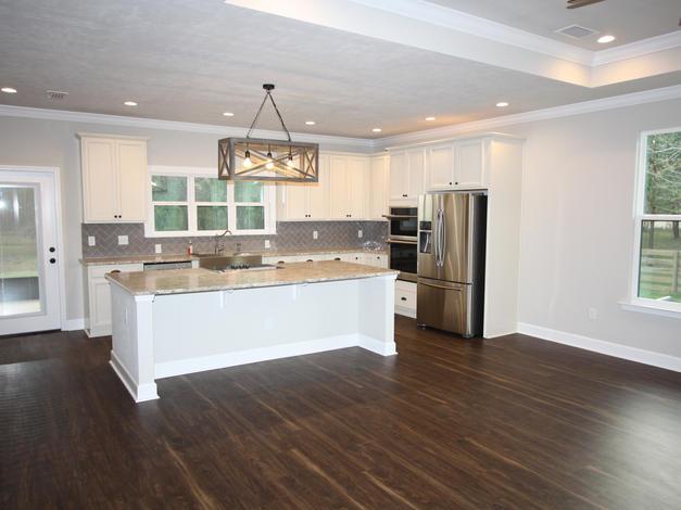 9293 (05) Kitchen.JPG