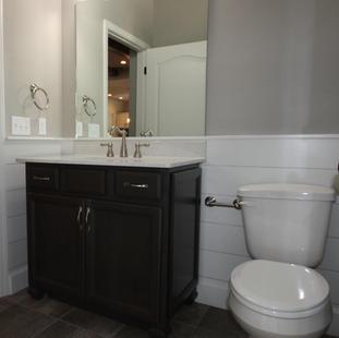9310 (14) Bathroom 3.jpg