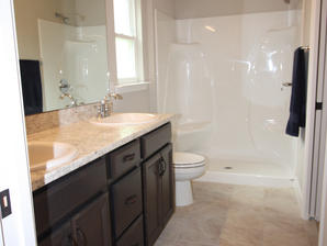9296 Master Bathroom