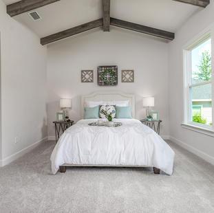 9315 (15) Master Bedroom.JPG