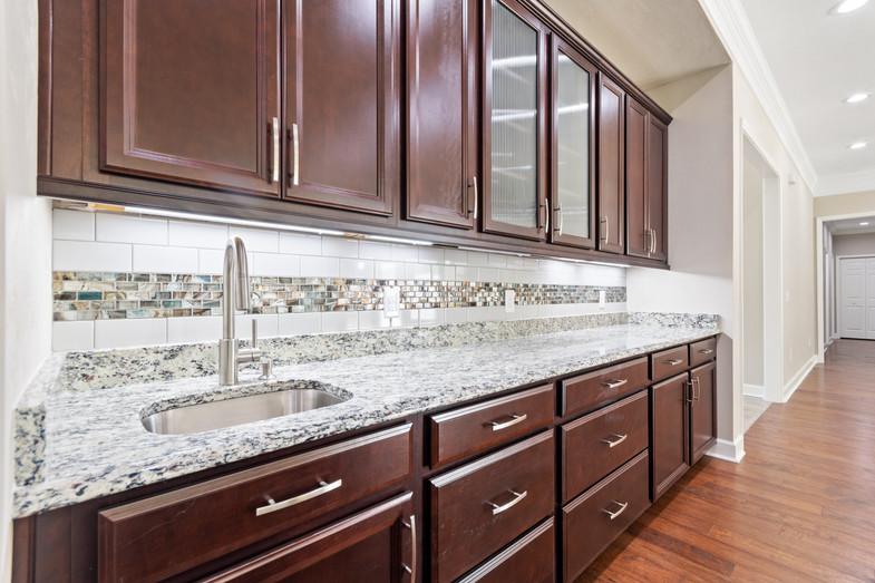 9320 (21) Kitchen.JPG