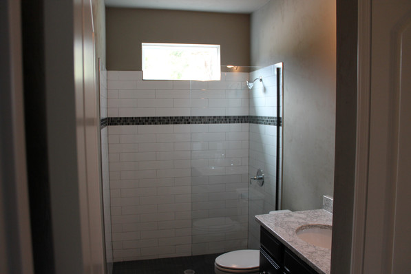 9284 (22) Bathroom 3.JPG