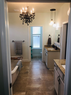 9292 (20) Master Bathroom.jpg