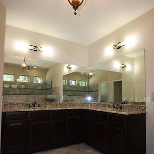 9259 (12) Master Bathroom Vanity.JPG