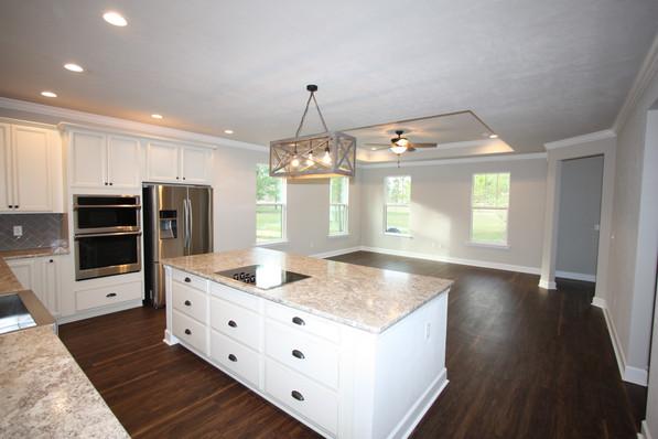 9293 (12) Kitchen.JPG