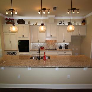 9252 (10) Kitchen.JPG