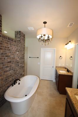 9280 (12) Master Bathroom.JPG