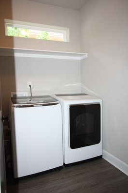 9289 (15) Laundry Room.JPG