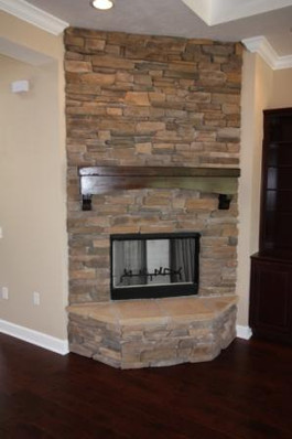 9251 (10) Living Room Fireplace.JPG