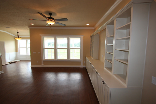 9250 (11) Living Room.JPG
