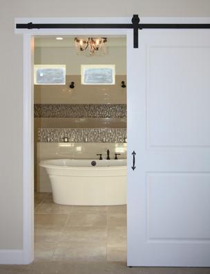9263 (12) Master Bathroom Barn Door.JPG