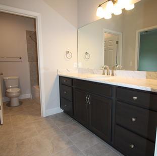 9319 (06) Bathroom 2.JPG