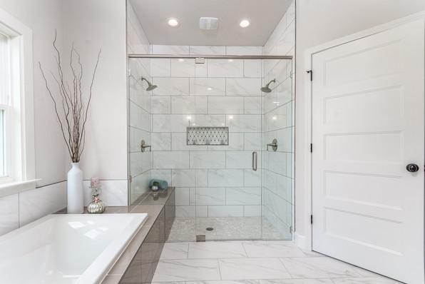 9315 (00) Master Bathroom Shower.JPG
