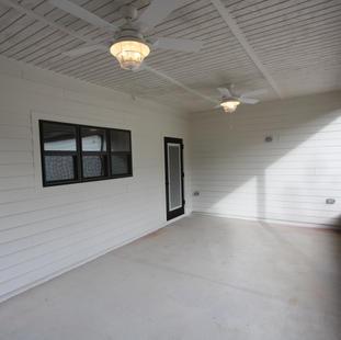 9293 (27) Porch.JPG