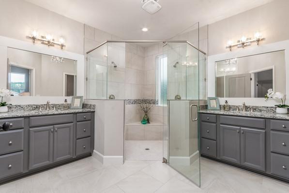 9318 (00) Master Bathroom.JPG