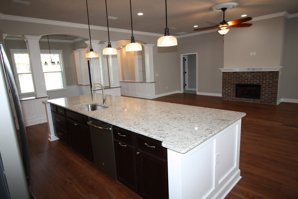 9261 (07) Kitchen Island.JPG