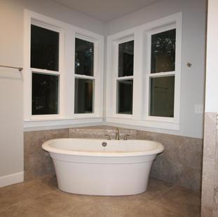 9283 (00) Master Bathroom.JPG
