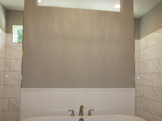 9299 Master Bathroom Tub