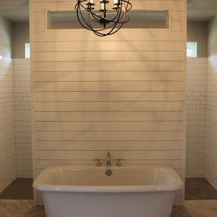 9287 (17) Master Bathroom.JPG