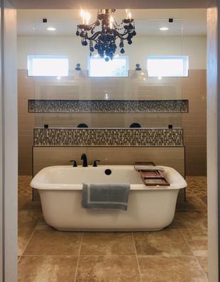 9292 (00) Master Bathroom.jpg