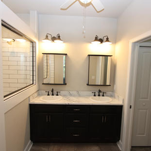 9293 (22) Master Bathroom.JPG