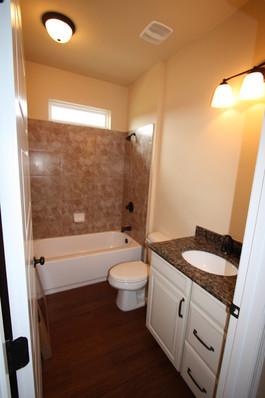 9250 (25) Bathroom 2.JPG