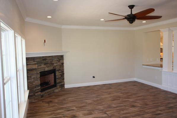 9267 (03) Living Room.JPG