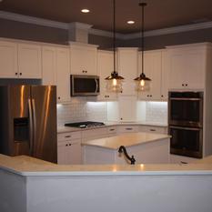 9273 (10) Kitchen.JPG