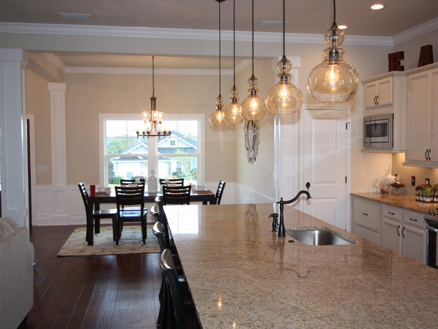 9263 Kitchen and Dining Room