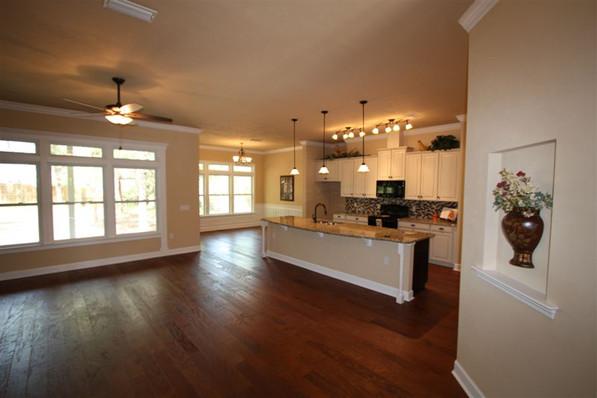 9242 (04) Kitchen.jpg