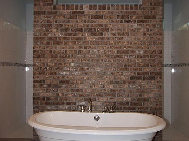 9256 Master Bathroom Tub