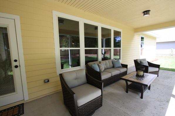 9252 (27) Rear Porch.JPG