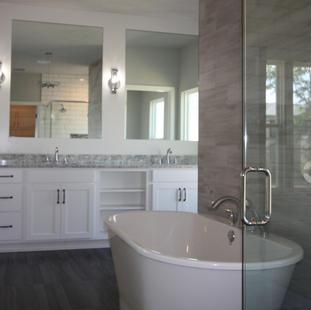 9313 (06) Master Bathroom.JPG