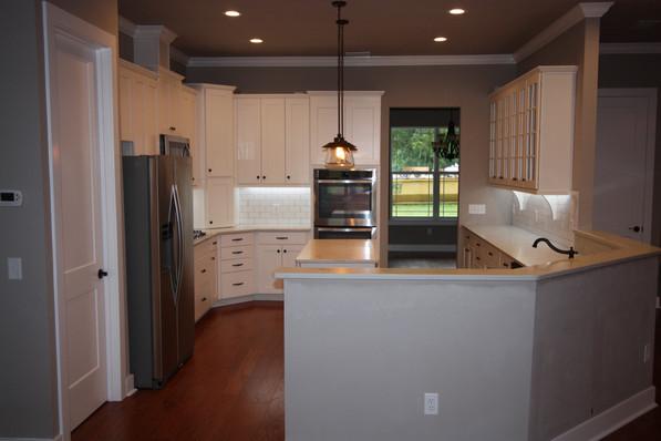 9273 (11) Kitchen.JPG