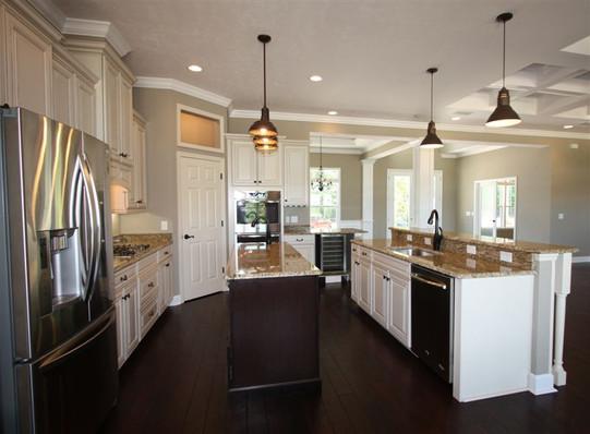 9041 (10) Kitchen.jpg