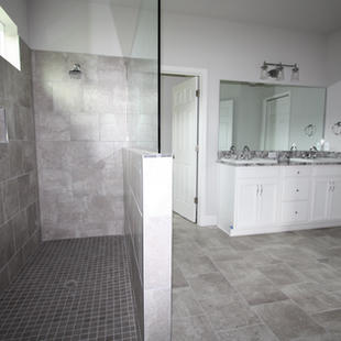 9319 (04) Master Bathroom.JPG