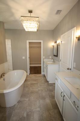 9299 (16) Master Bathroom.jpg