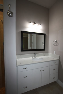 9273 (29) Bathroom 3.JPG